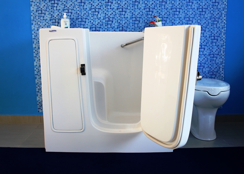 Doccia E Vasca Nello Stesso Bagno.Sicubagno Vasche Per Disabili Bari