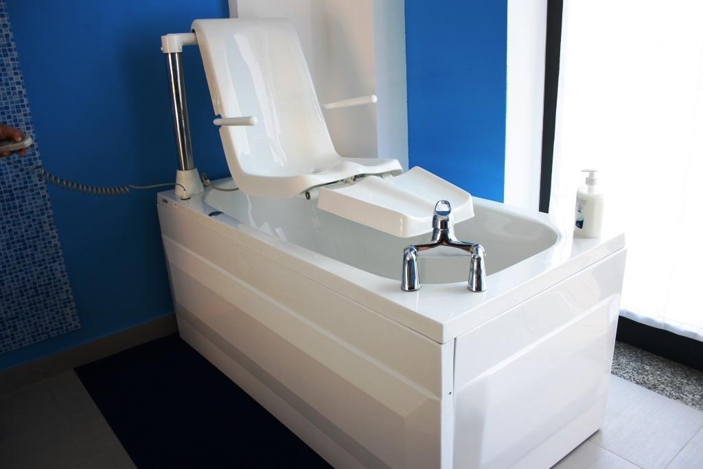 Modellotorre 2 - Vasca da bagno per disabili agevolazioni ...