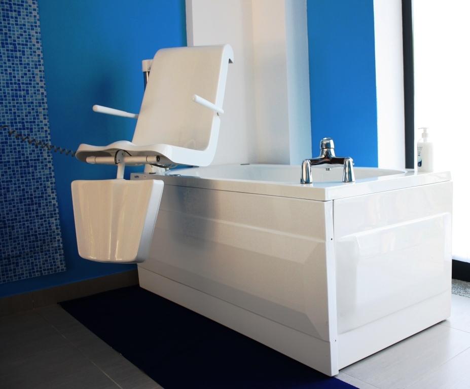 Accessori Vasca Da Bagno Per Disabili.Sicubagno Vasche Per Disabili Bari